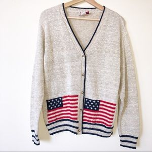S.M.L. Sports Tan ButtonUp American Flag Sweater M
